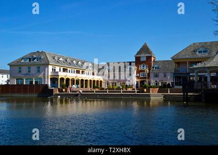 The Village Centre at Watermead, Aylesbury, Buckinghamshire, UK - Stock Image