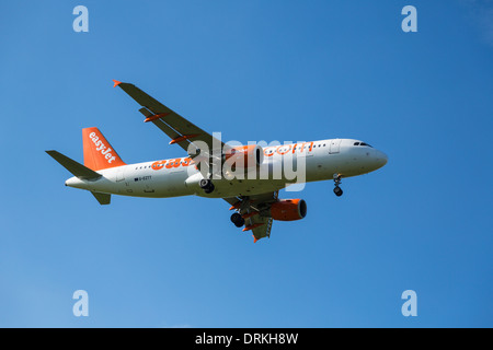 Easyjet airbus A320 to land - Stock Image