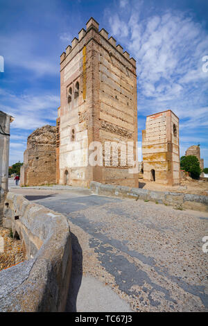 Towers of the walled town of Madrigal de las Altas Torres, Avila Province, Castile and Leon, Spain.  Isabella  I of Castile was born in Madrigal , Apr - Stock Image