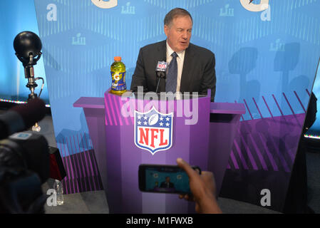 St Paul, Minnesota, USA. 29th Jan, 2018. -Bill Belichick of the New England Patriots gives an interview at the official - Stock Image