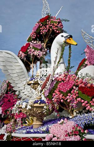 Princess' Trophy 'Valentine's Day' Rose Parade Float  Sierra Madre Rose Float Association - Stock Image