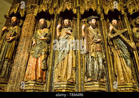 Laguardia, Álava province, Basque Country, Spain : Detail of the Apostles in the Gothic portico of the Church of Santa María de los Reyes. One of only - Stock Image