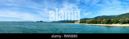 Panoramic view of the coastline at Palm Cove, Cairns Northern Beaches, Far North Queensland, QLD, FNQ, Australia - Stock Image