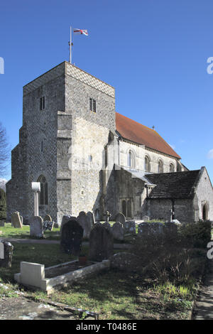 graveyard in st andrews parish church in the small west sussex town of steyning - Stock Image
