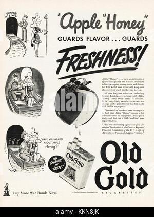 1943 U.S. Magazine Old Gold Cigarette Advert - Stock Image