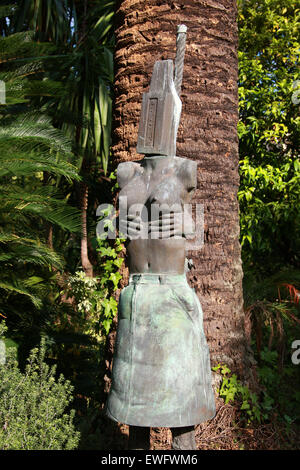Bronze Statue Representing a Nude Woman in the Gardens of Palais Carnoles, Menton, Cote D'Azure, South of France. - Stock Image