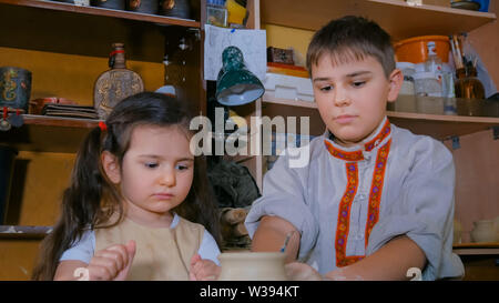 Pottery class and workshop - Stock Image