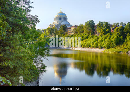 Summer landscape with lake and Naval cathedral in Kronstadt, Saint Petersburg, Russia - Stock Image