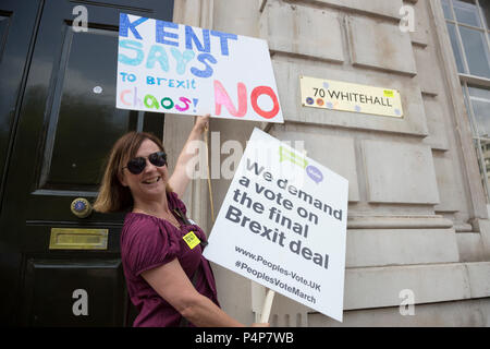 London, UK. 23 June 2018. Protester outside the Cabinet Office. Remain supporters and protesters at an Anti-Brexit march and rally for a People's Vote. Photo: Bettina Strenske/Alamy Live News - Stock Image