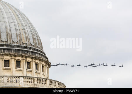 London, UK. 10th July 2018. The celebratory Flypast for the 100th anniversary of the RAF (Royal Air Force). The aeroplanes fly over St Paul's Cathedral. A formation of around 100 aircraft, one for each year, fly across London, UK. taking in the Olympic Park, the City of London and finally the Mall, where they are to fly over Buckingham Palace. The 17 aircraft types include Puma, Chinook, military helicopters, C-130 Hercules and C-17 Globemaster planes III as well as Hawk, Typhoon and Tornado jets. Credit: Imageplotter News and Sports/Alamy Live News - Stock Image