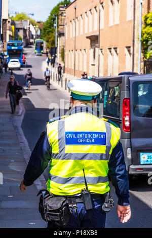 Civil Enforcement Officer, CEO traffic warden, employed to enforce parking, CEO, CEO UK, traffic warden, traffic warden UK, UK traffic warden, - Stock Image