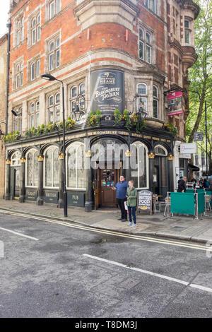 The Bloomsbury Tavern, Shaftesbury Avenue, Holborn, London, UK - Stock Image