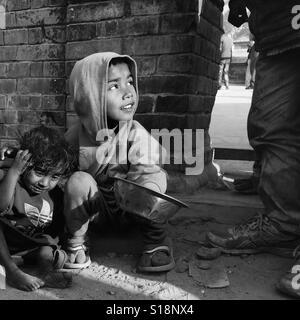 Children begging, Kathmandu, 2017 - Stock Image