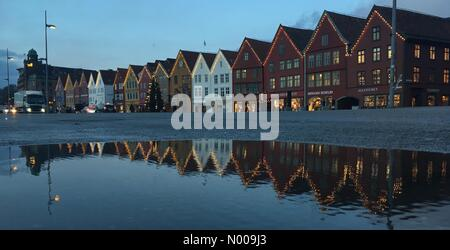 Bryggen 15, Bergen, Norway. 01st Dec, 2016. European weather; Christmas decorated and tree at the UNESCO World Heritage - Stock Image