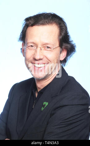 Stephan Schwartz, deutscher Film- und Fernsehschauspieler, in der Fernsehserie 'Freunde fürs Leben', Deutschland 1999. German movie and TV actor Stephan Schwartz from the German TV series 'Freunde fuers Leben', Germany 1999. - Stock Image