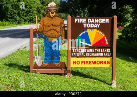 DOVER, TN,  USA-30 MAY 18: An image of Smokey the Bear warns of fire danger in Land Between the Lakes area in western Kentucky and Tennessee. - Stock Image