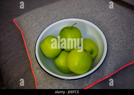 Bowl of delicious green Granny Smith Apples - Stock Image