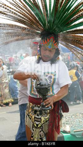 Aztec Shaman Performing a Spiritual Cleansing Ritual, Zocalo Square, Plaza de la Constitucion, Mexico City - Stock Image