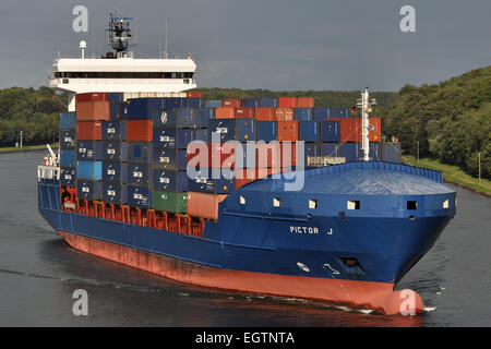 Containerfeeder Pictor J - Stock Image