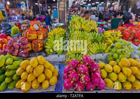 Fruit stall, the Old Market, market hall, Siem Reap, Cambodia, Asia - Stock Image