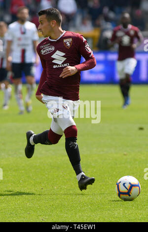 Turin, Italy. 14th Apr, 2019.  Serie A football, Torino versus Cagliari; Vittorio Parigini of Torino FC looks for an outlet on the ball Credit: Action Plus Sports Images/Alamy Live News - Stock Image