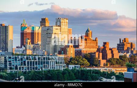 Brooklyn skyline from the Brooklyn Bridge in the district of Brooklyn, New York, USA - Stock Image