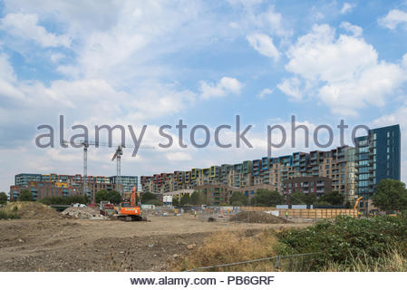 Peartree Way, Greenwich Millennium Village - Stock Image