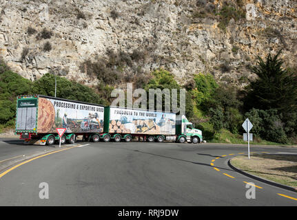 Wood products delivery lorry, Napier, New Zealand. - Stock Image