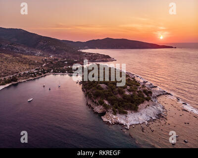 Panoramic view of Aliki gulf and yacht harbour and the ancient marble port and quarry visible to the right - Stock Image