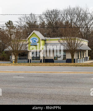 HICKORY, NC, USA-2/15/19: A Captain D's Seafood restaurant, one of more than 500 locations, primarily in the southern US states. - Stock Image