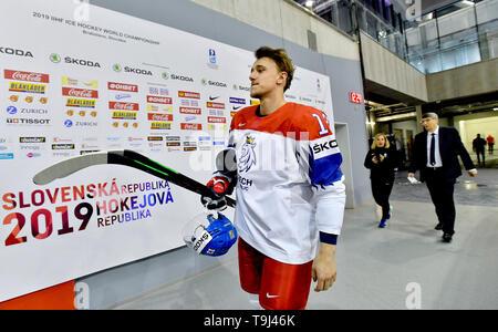 Bratislava, Slovakia. 18th May, 2019. Forward Jakub Vrana arrives for an official photographing of the Czech national ice hockey team at the 2019 IIHF World Championship in Bratislava, Slovakia, on May 18, 2019. Credit: Vit Simanek/CTK Photo/Alamy Live News - Stock Image