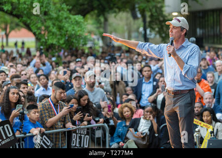 Texas, USA. 30th March 2019. Democratic candidate Beto O'Rourke kicks off presidential campaign in Houston Credit: michelmond/Alamy Live News - Stock Image
