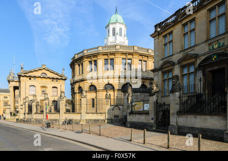 A view of the Sheldonian Theatre from Broad Street, Oxford, Oxfordshire, England, UK. - Stock Image