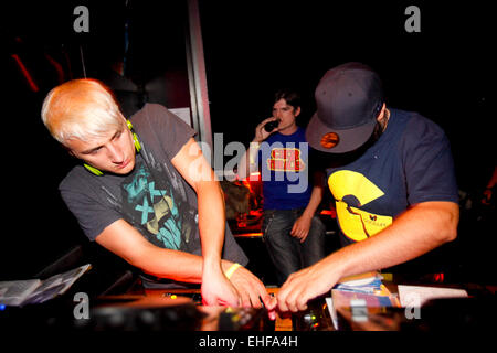 Mystery Jets DJing at Matter 19th August 2009. - Stock Image