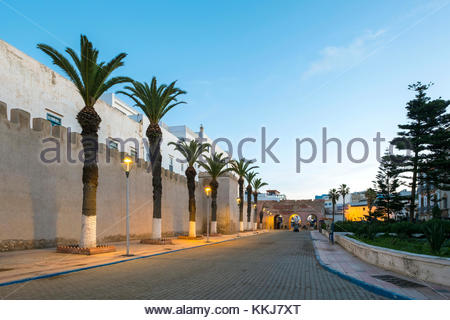 Morocco, Marrakesh-Safi (Marrakesh-Tensift-El Haouz) region, Essaouira. Old city walls and buildings in the medina - Stock Image