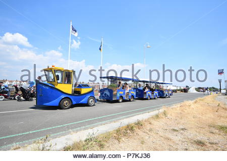 Littlehampton, UK. Saturday 7th July 2018. The noddy train on the promenade on a very warm afternoon in Littlehampton, on the South Coast. Credit: Geoff Smith / Alamy Live News. - Stock Image
