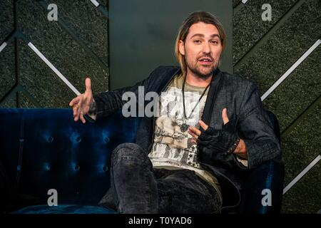 Berlin, Deutschland. 21st Mar, 2019. 21.03.2019, star violinist David Garrett presents his new crossover tour UNLIMITED - GREATEST HITS at the 260-degree bar in Berlin, with which he will perform in the capital. Portrait of the musician. | usage worldwide Credit: dpa/Alamy Live News - Stock Image