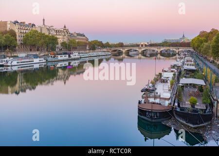Seine river at sunrise, Paris, France - Stock Image