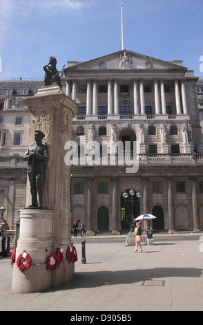 World War One Memorial and facade of the Bank of England London - Stock Image