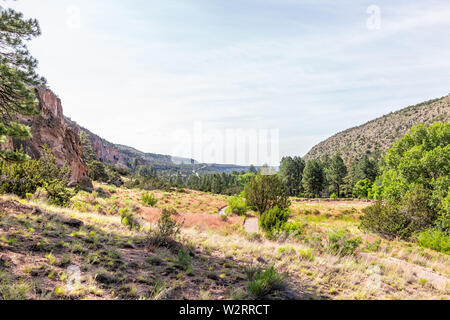 Park landscape view from Main Loop trail path in Bandelier National Monument in New Mexico - Stock Image