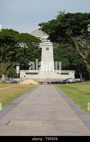 The Cenotaph, war memorial, Esplanade Park, Singapore - Stock Image