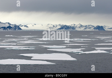 Magdalenefjørd on Spitsbergen, Svalbard, with sea ice. - Stock Image