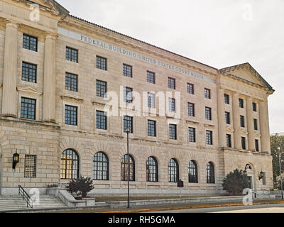 Front exterior entrance to the Federal Building and Courthouse in Montgomery Alabama, USA. - Stock Image