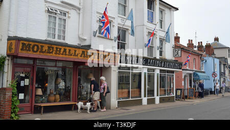 Molehall Antiques, High Street, Aldeburgh, Suffolk, UK - Stock Image