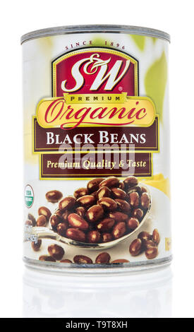 Winneconne, WI - 11 May 2019 : A can of SW organic black beans on an isolated background - Stock Image