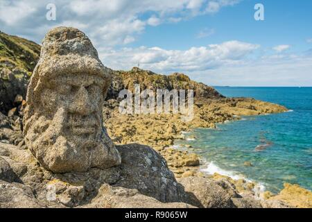 France, IIle et Vilaine, Rotheneuf, Rock sculptured by Abbot Fouré (1839 - 1910) are considered as of the naive art - Stock Image