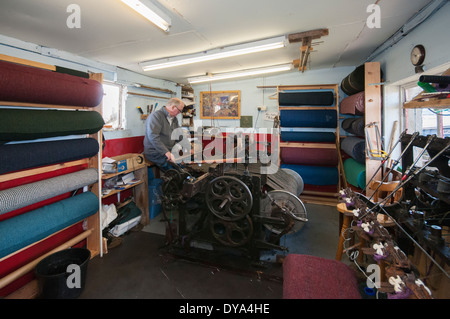 Harris Tweed weaving on a Hattersley Home Loom - Stock Image