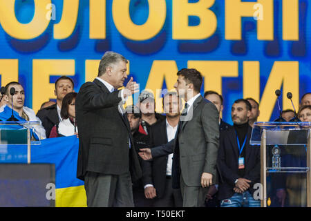 Kiev, Kiev, Ukraine. 19th Apr, 2019. Tension in the debate between the candidates for the Presidency of Ukraine, Petro Poroshenko, left, and Volodymyr Zelenskiy, right, at the Olympic National Sports Stadium in Kiev.Tension Credit: Celestino Arce Lavin/ZUMA Wire/Alamy Live News - Stock Image