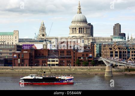 St Paul's Cathedral, Millennium Bridge and City Of London School, London, England, UK - Stock Image
