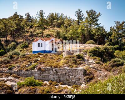 Small church near Thasos Town limenas - Stock Image